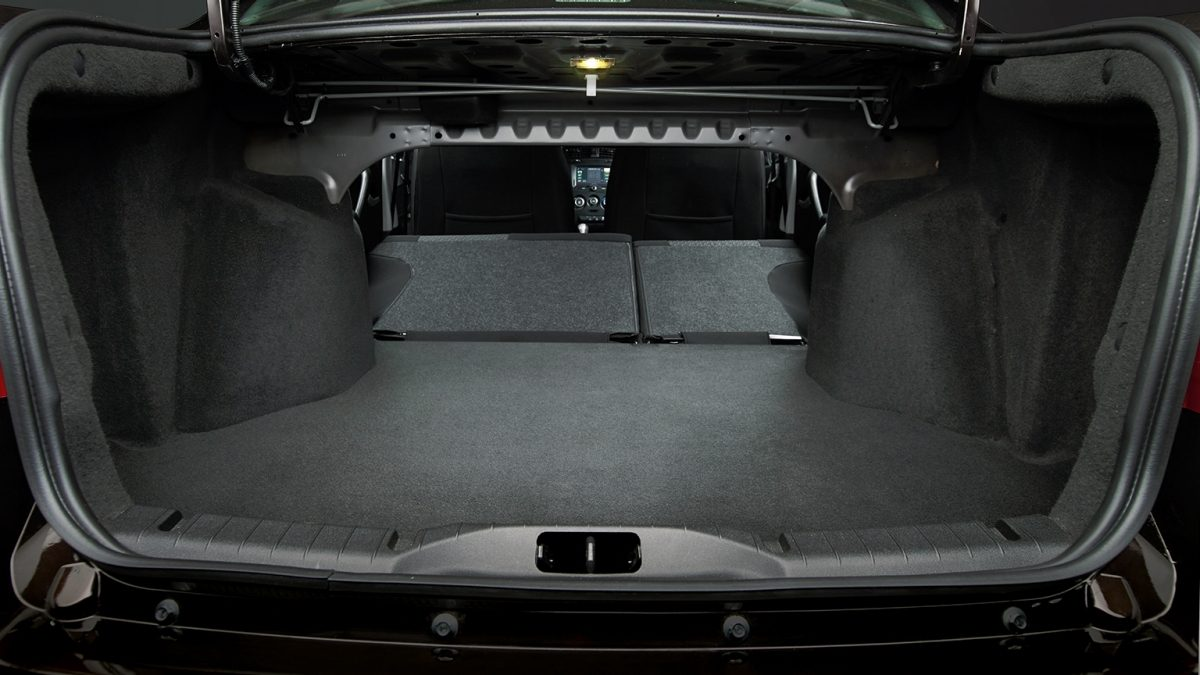 Large Empty Trunk Space with Seats Down